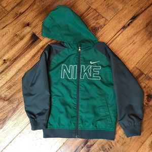 Nike boys lightweight jacket